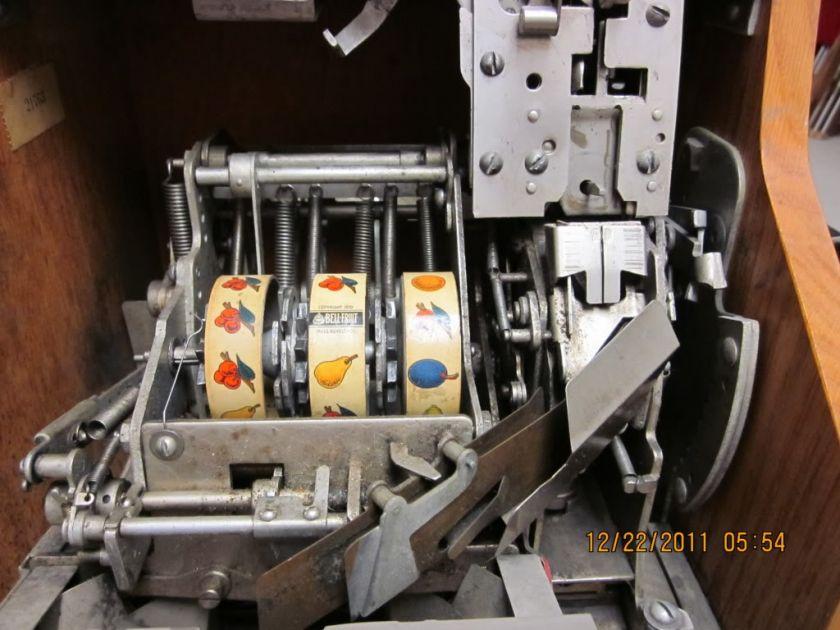 Mills Chevron QT 5 cent NICKLE ORIGINAL SLOT MACHINE WORKING